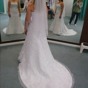 New Maggie Sottero Strapless Lace Wedding Dress